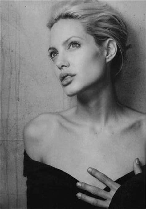 fotos en blanco y negro famosos im 225 genes de angelina jolie en blanco y negro blogodisea