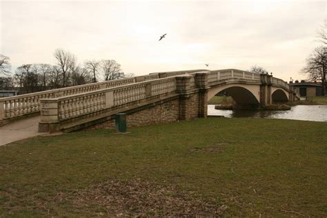 Search Hull East File Footbridge The Lake East Park Hull Geograph