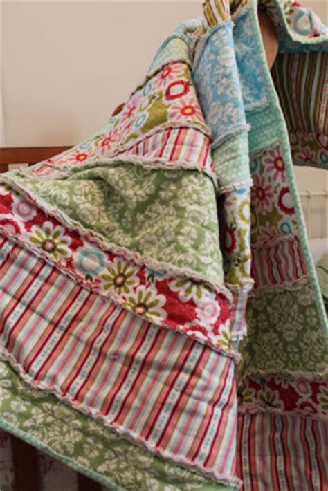 Diy Baby Quilts by Do It Yourself Divas Diy Flannel Baby Rag Quilt Reposted