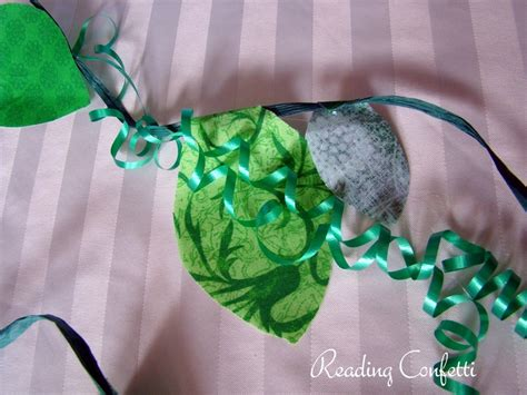 How To Make Jungle Vines Out Of Paper - jungle vines crafts