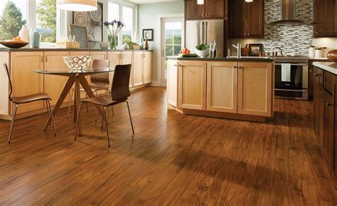 Retailer Forum: The Latest in Laminate Flooring Trends