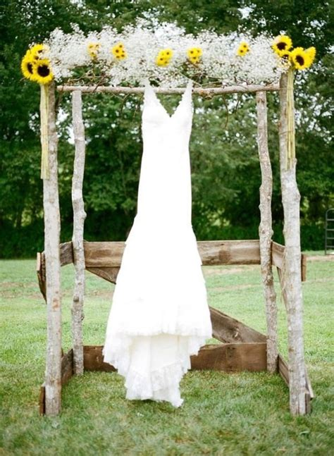 Wedding Arch With Sunflowers by 12 Sunflower Ideas For A Rustic Wedding Mywedding