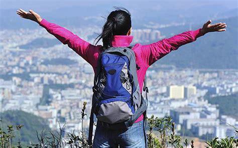 Tas Ad 829 ini tips memilih tas carrier bagi pendaki gunung wanita
