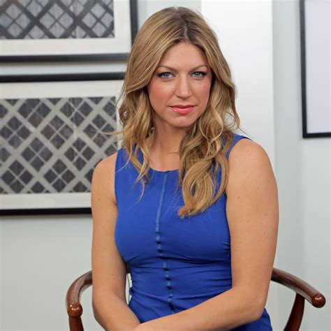 jes macallan legends of tomorrow jes macallan joins dc s legends of tomorrow hollywood