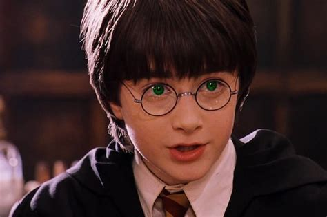harry potter eye color this is what harry potter was supposed to look like in the