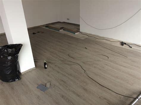 pavimento finto finto pavimento cheap gress finto legno posa diagonale