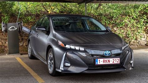 fast toyota prius toyota prius in hybrid launches in japan drive safe