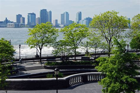 Battery Gardens Nyc by Battery Park City Esplanade Is An Escape For Downtown New Yorkers Tf Cornerstone