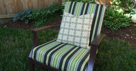Sew Easy Way To Cover Those Old Outdoor Cushions Hometalk Sewing Cushions For Outdoor Furniture
