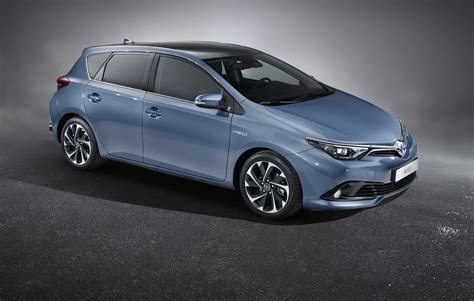 toyota pictures toyota auris facelift 2015 pictures by car magazine