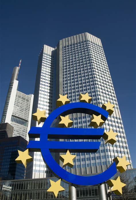 banche centrali nazionali economia politica capitalismo finanziario