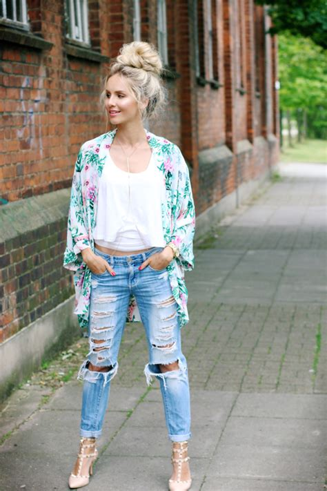 Jungle Bedroom Ideas outfit tropical kimono ripped jeans amp top knot feel