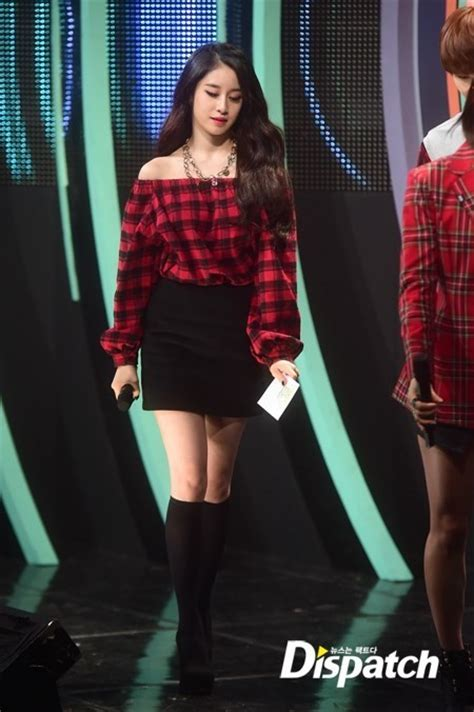 jiyeon tattoo hyuna oh snap naver krn t ara ji yeon wears an off shoulder
