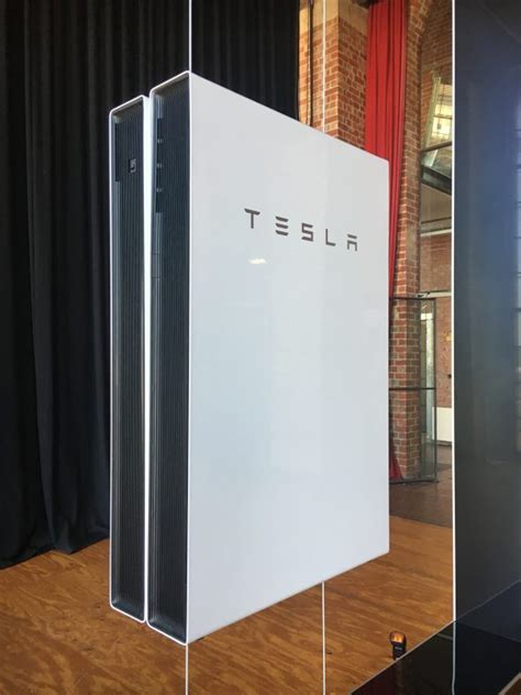 Tesla Battery Hours Tesla Launches Powerwall 2 Says All Solar Homes Will