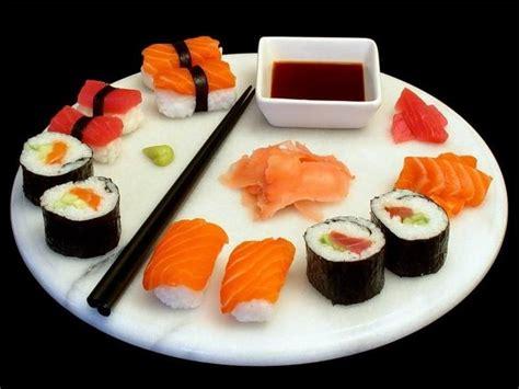 Tikar Penggulung Sushi Dan Sendok aneka masakan jepang