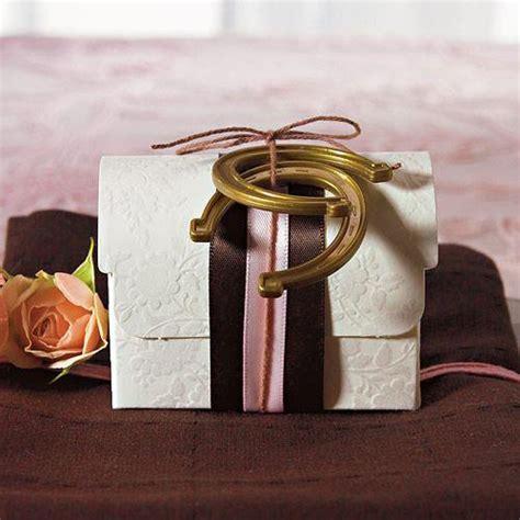 Plastic Horseshoe Wedding Decoration Charms ? Candy Cake