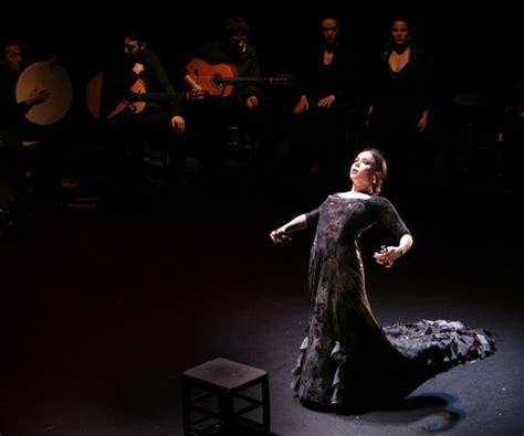 Buku Gitar Flamenco 13 Easy Flamenco Solos flamenco lights up stages from to the berkshires the boston globe