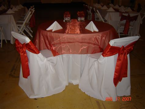 cheap tablecloth rentals