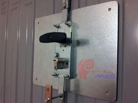 chiusure per porte serrature corazzate per basculanti sicurezza in garage