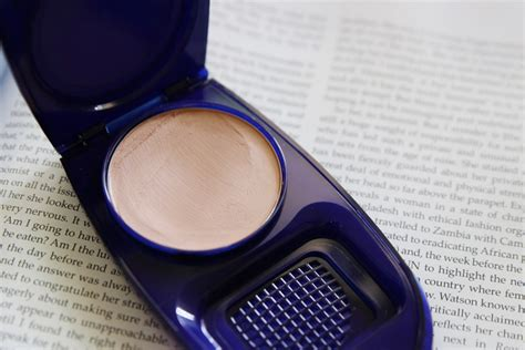 Covergirl Aquasmooth Foundation covergirl aquasmooth makeup discovering a compact