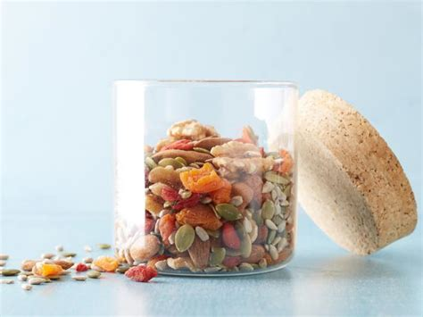 Trio Goji Berry goji berry trail mix recipe giada de laurentiis food