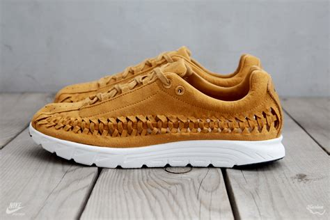 Nike Mayfly Woven Navy Midnight Premium Quality nike mayfly woven qs sole collector