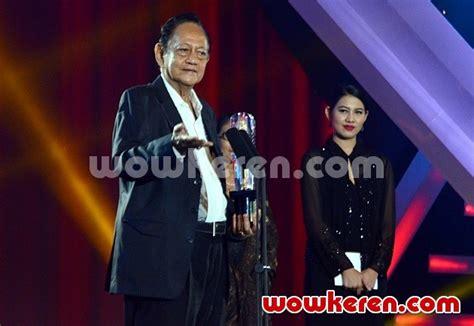 film terbaik festival film indonesia 2015 foto deddy sutomo raih piala citra kategori pemeran utama