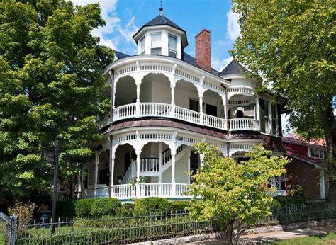 the lure of victorian architecture downtown avenue hugh bright douglas don wyatt house 1895 301 elk