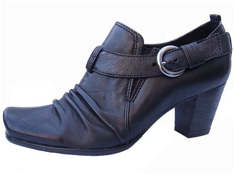 Hiren Flat Shoes N Co black leather heeled shoe boots