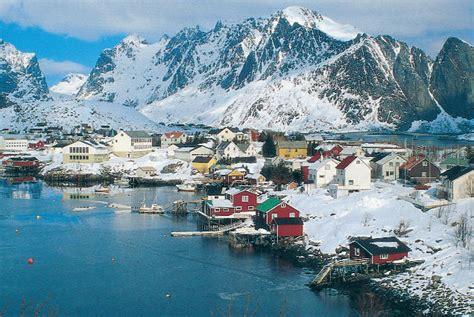 Tromso Northern Lights Lofoten Islands Adventure Breaks Robert Broad Travel
