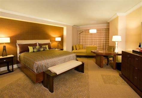 Mandalay Bay Rooms by Mandalay Bay Las Vegas 65 171 Awayigo