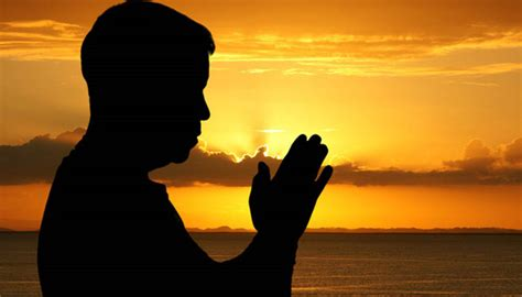 imagenes de un hombre orando a dios noticias del mundo religioso