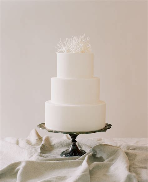 Hochzeitstorte Einfach by Simple Wedding Cakes Coral Cake Topper Once Wed