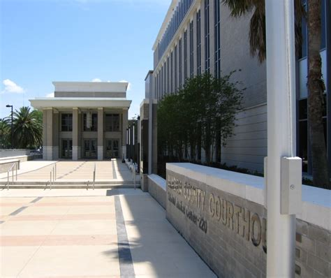 Alachua County Search File Dsg Alachua County Courthouse Criminal Justice Center 20050507 Jpg Wikimedia