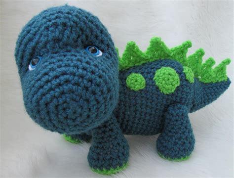 crochet pattern free cute cute dinosaur crochet pattern by crews craftsy