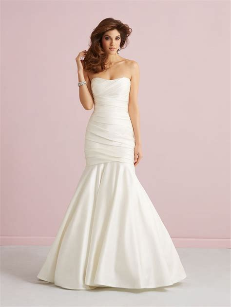 10 Stunning Fit & Flare Wedding Gowns     TopWeddingSites.com