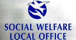 social welfare office bans pyjamas as attire so sue me