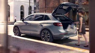 2016 lincoln mkx confidently continues the luxury affair of the whole lineup