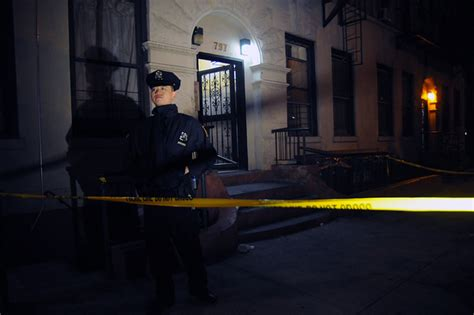 shooting bed stuy two people shot on putnam avenue in brooklyn bed stuy