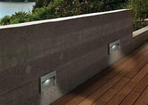 illuminazione led esterni lade a muro da esterno a led