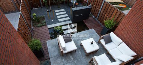 tuin op het noorden terras kleine tuin met vijver bij nieuwbouwwoning van gelder tuinen