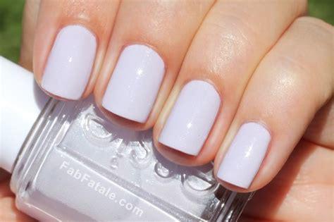 light purple nail polish manicure mondays essie navigate her fab fatale