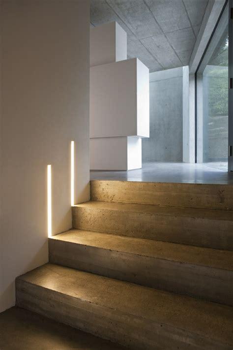 treppenstufen beleuchten die led lichtleiste 30 ideen wie sie durch led leisten