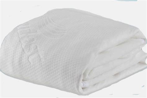 cooling mattress protector with outlast 174 technology