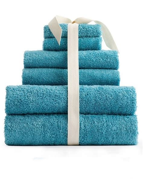 how to fold bathroom towels 1000 ideas about fold towels on pinterest towels
