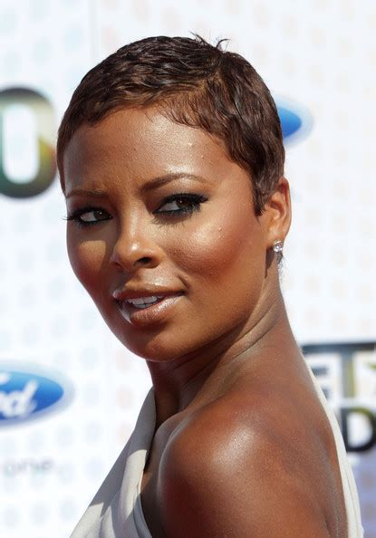 eva pigfor hair color brand more pics of eva pigford short straight cut model
