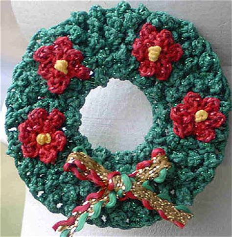 crochet pattern for xmas wreath 5 free christmas crochet patterns christmas wreaths free