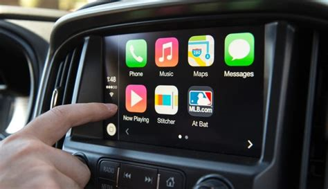 Will Android Auto Work With Iphone by Should Your New Car Apple Carplay Cartelligent