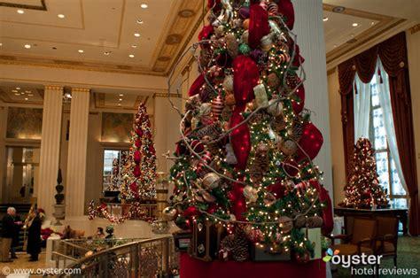christmas central home decor new york hotels deck their halls for christmas oyster com