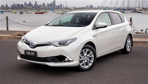 toyota corolla toyota corolla hybrid hatch coming to australia in 2016